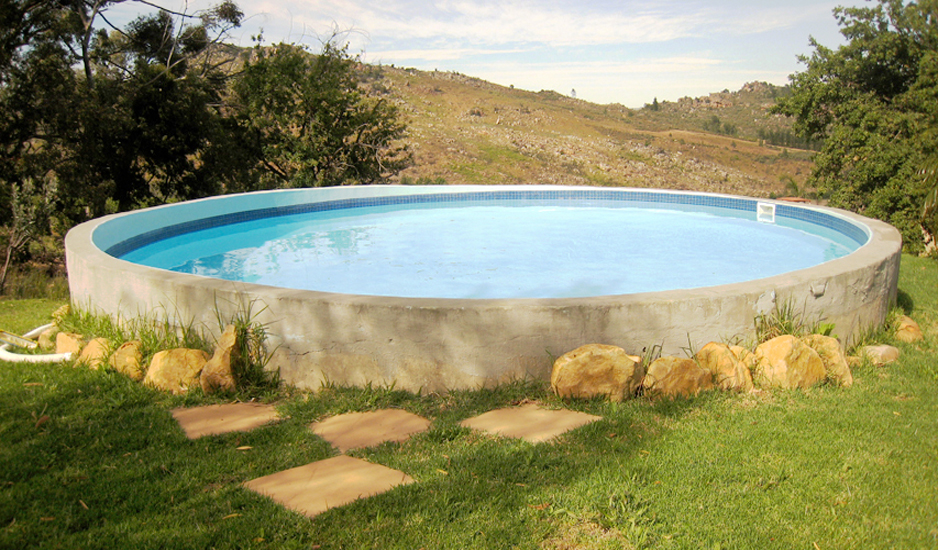 Allandale farm cottage citrusdal accommodation for Farmhouse with swimming pool