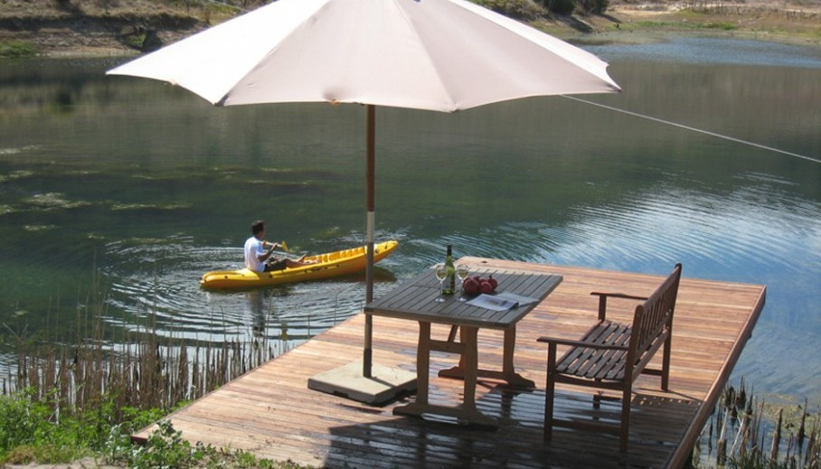 Pomegranate cottage, canoeing, umbrella and dam 2